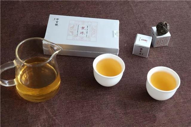中吉号古树茶 - 龙珠(银)2017